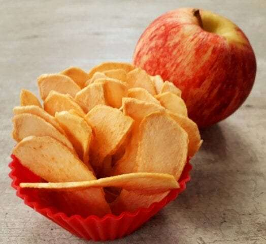 Homemade dried apple crisps recipe
